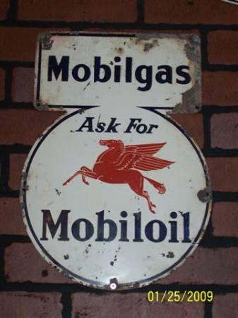 Mobilgas Keyhole Brick....jpg