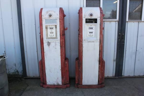 Pair Wayne 60 Gas Pumps - Primarily Petroliana Shop Talk
