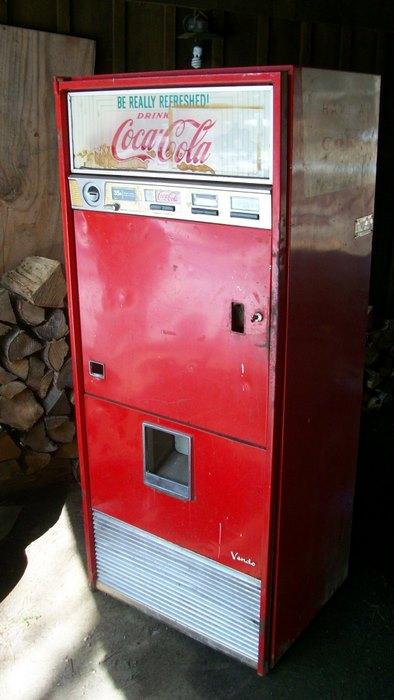 Vendo 92 Coke Machine