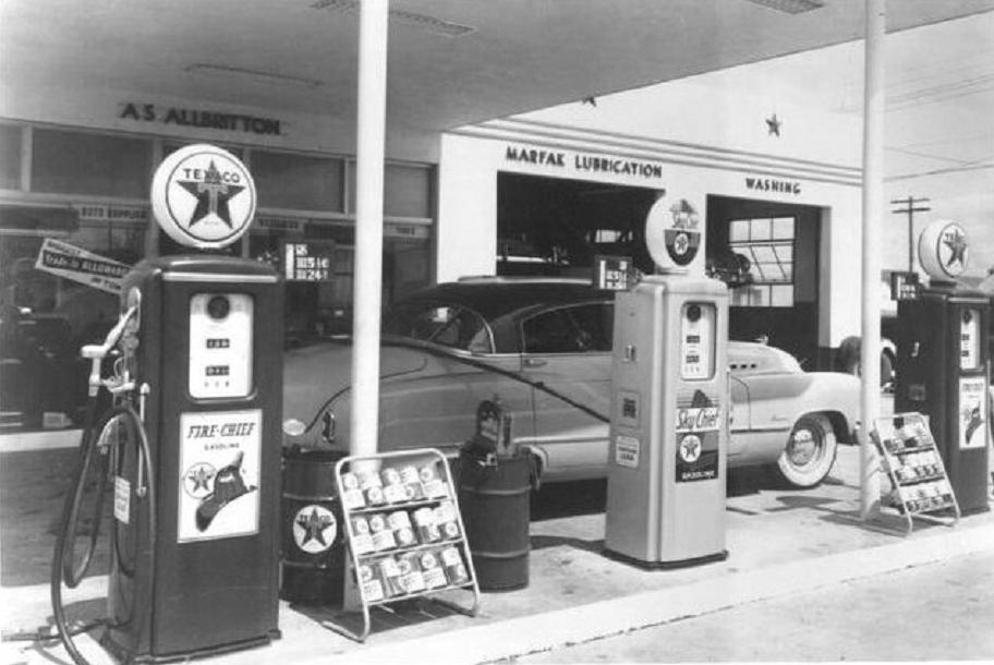 Attached picture gas%20station%201949%20Texaco.jpg