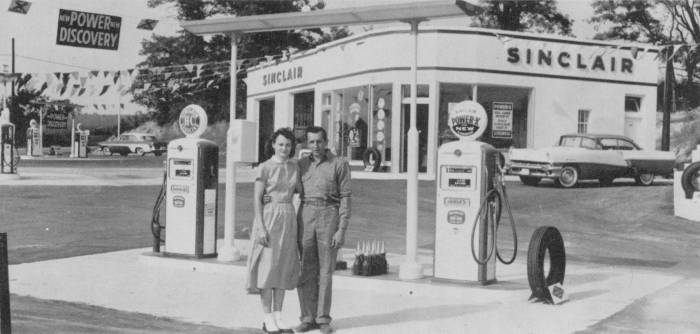 Attached picture Gas_159_SinclairStation_1950s_OwingsMaryland_CalvertCounty.jpg