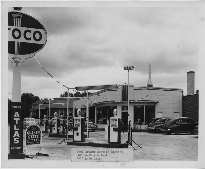 Paul_Hedges_Service_Station (1).jpg