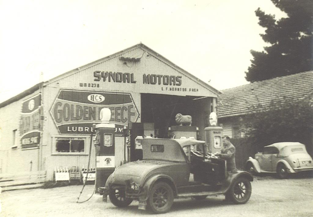 Attached picture SYNDALMOTORSCIRCA1952.jpg