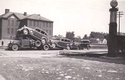 Attached picture 1933ldsmobileTransport-a.jpg