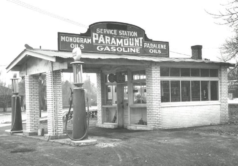 Attached picture gas%20station%201925%20Paramount%20Lubricants%20Company,%20Salt%20Lake%20City.jpg