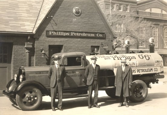 Attached picture 1930-Phillips-66-Gasoline.jpg