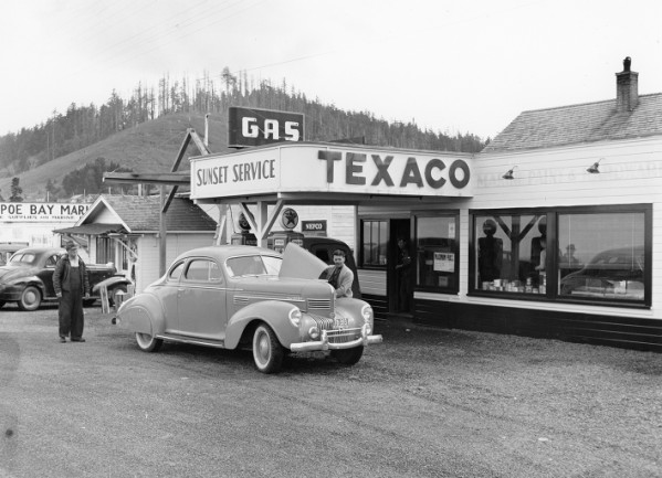 macgougalls texaco sunset station.jpg