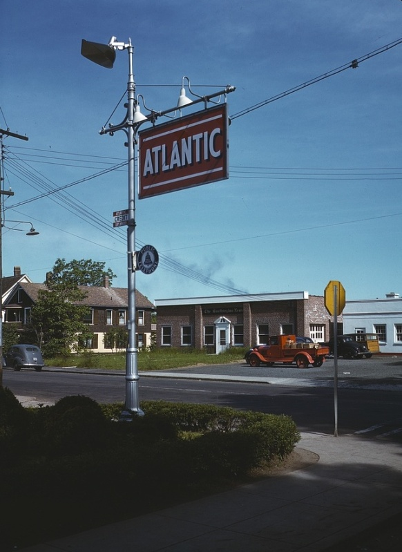 Attached picture 1942SouthingtonCT.jpg