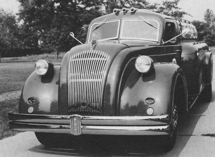 Attached picture SIA-1939DodgeAirflow_lede.jpg