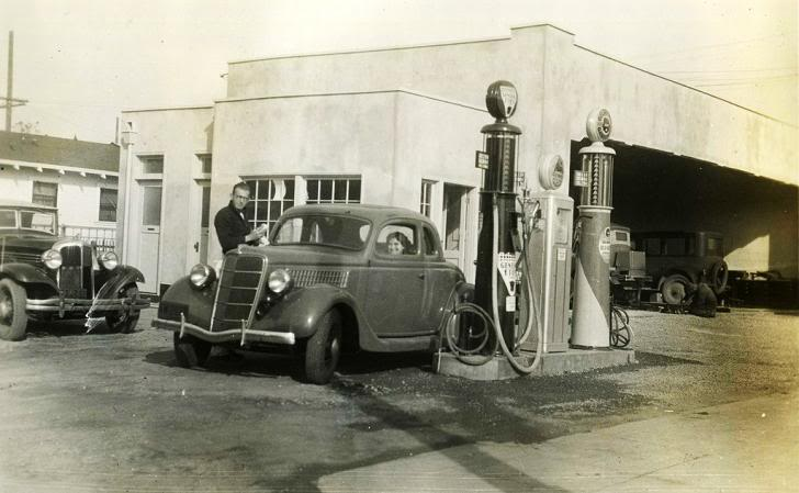Attached picture 1935Ford.jpg