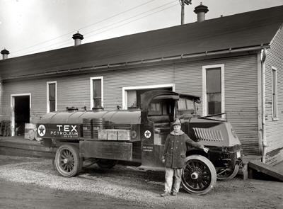 Attached picture Texaco1925MackWeb.jpg