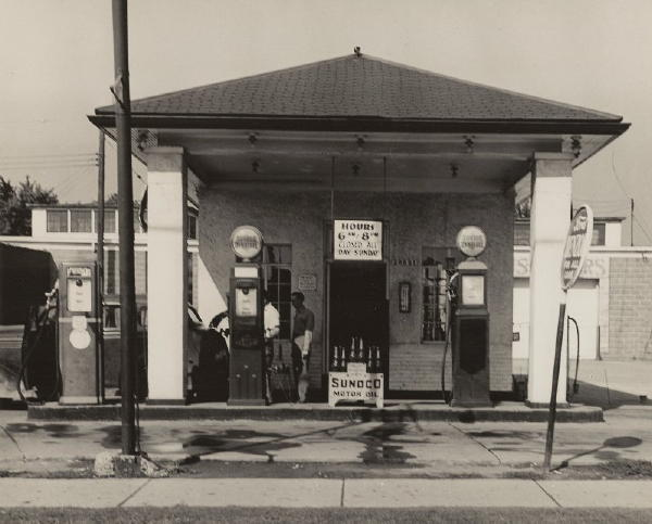Attached picture 1946_rivard_bros_gas_sta.jpg