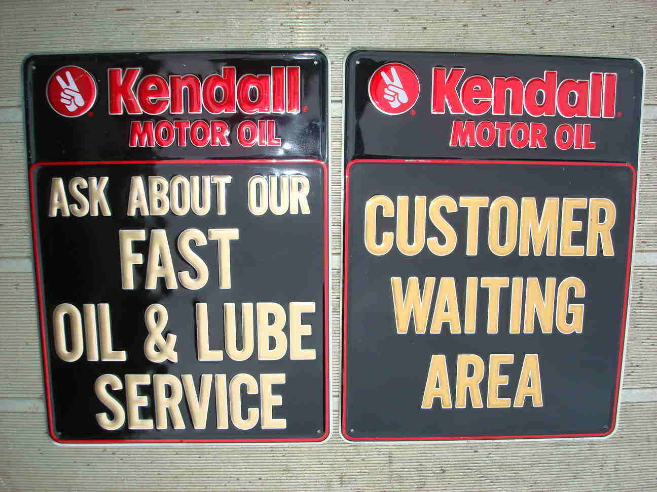 Attached picture rsz_kendall_motor_oil_signs-1_.jpg
