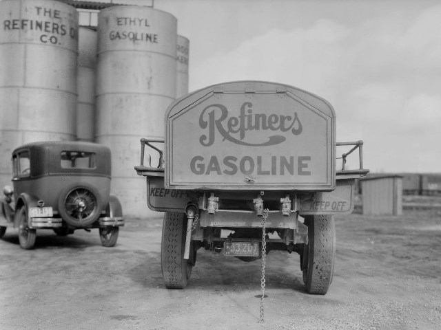 Attached picture Refiners Tanker.jpg