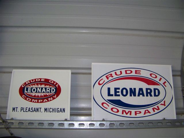 Leonard_Crude_decals.jpg