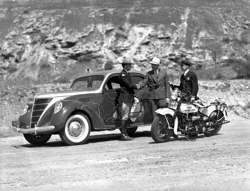 Miscellaneous_Photos_of_Golden_Gate_Fiesta_Celebration_May_1937 (1).jpg