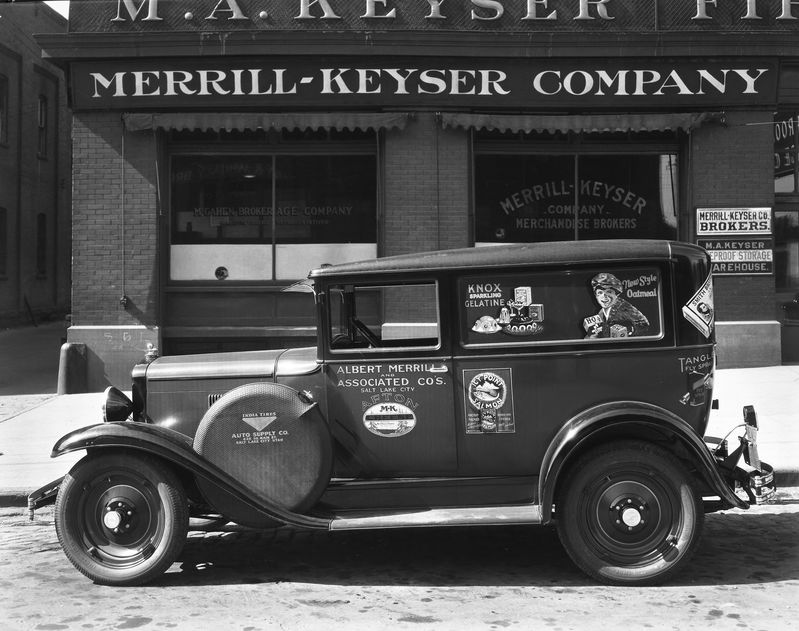 Albert_Merrill_Chevrolet_Delivery_Coach_Showing_Ads (1).jpg